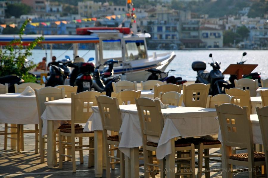 A cafe in Poros