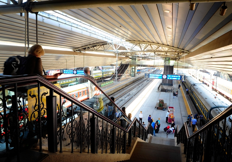 Tourists rush down to the platforms as soon as the gate opened at the Beijing station. Our train is the one on the right.